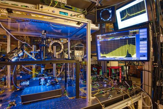 光学频率合成器.jpg