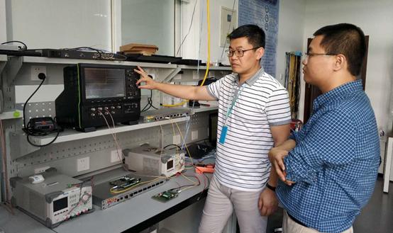 时钟系统WRS-FL交换机测试现场.jpg